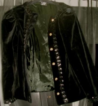 Black velvet jacket: £5